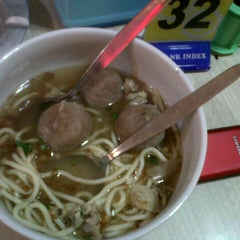 Photo taken at Bakso Lapangan Tembak Senayan by Sarfina P. on 3/11/2013