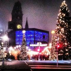 Photo taken at Weihnachtsmarkt an der Gedächtniskirche by Francisco G. on 12/13/2013