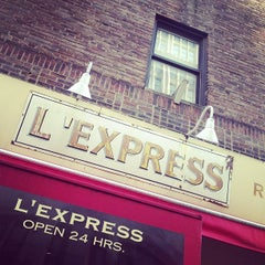 Photo taken at L'Express by Adri R. on 1/6/2013