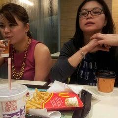 Photo taken at McDonald's by Putri k. on 6/4/2015
