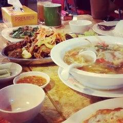 Photo taken at Restoran Norsiah Tom Yam Seafood by paan p. on 5/9/2014