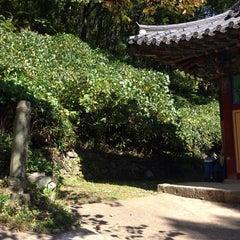 Photo taken at 묘적사 (妙寂寺) by Yu joung H. on 10/12/2014