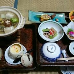 Photo taken at 元祖うなぎ湯の宿ゆさや by Baro on 12/5/2015
