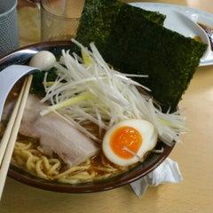 Photo taken at ラーメン 恵比寿家 by Reimi C. on 12/27/2012