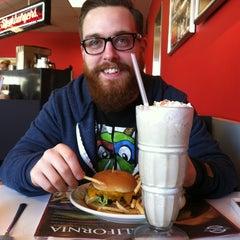 Photo taken at Steak 'n Shake by Jordan C. on 4/21/2013