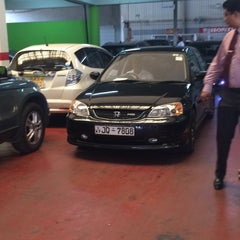 Photo taken at Stafford Motors Service Center by Ashan d. on 2/19/2015