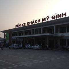 Photo taken at Bến Xe Mỹ Đình (My Dinh Bus Station) by 5 B. on 9/27/2013