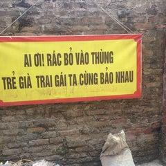 Photo taken at Làng Cổ Bát Tràng by 5 B. on 10/20/2014