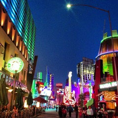 Photo taken at Universal CityWalk by Marzia M. on 2/28/2013