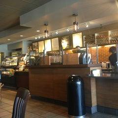 Photo taken at Starbucks by Yxes 💋🍂🍁 ☕. on 7/1/2013
