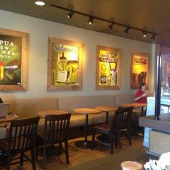 Photo taken at Starbucks by Yxes 💋🍂🍁 ☕. on 5/11/2013