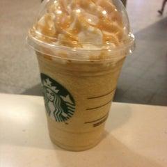 Photo taken at Starbucks by Rafael d. on 4/9/2013