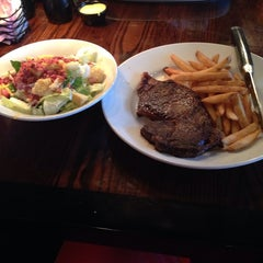 Photo taken at LongHorn Steakhouse by N. J. on 8/1/2014