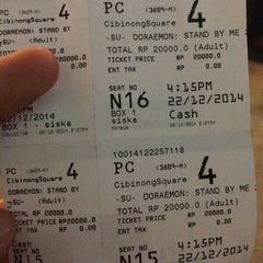 Photo taken at Platinum Cineplex by Heny O. on 12/22/2014