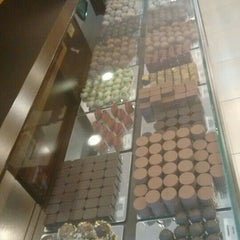 Photo taken at Renata Arassiro Chocolates by Mara Regina P. on 9/2/2015
