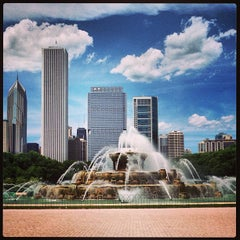 Photo taken at Clarence Buckingham Memorial Fountain by David F. on 6/17/2013