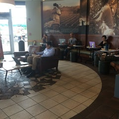 Photo taken at Starbucks by Iva C. on 7/29/2014