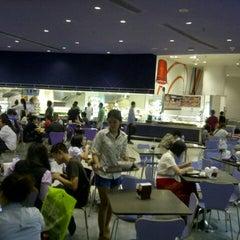 Photo taken at Food Hall (ฟู้ดฮอลล์) by Theodore K. on 7/10/2013
