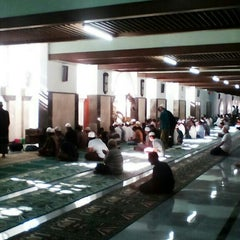 Photo taken at Masjid Agung Sunan Ampel by Agung Aryo W. on 8/17/2015
