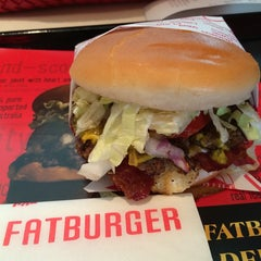 Photo taken at Fatburger by Conni L. on 6/25/2014