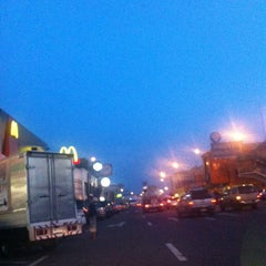 Photo taken at ศูนย์บริการทางหลวง ขาออก (Motorway Service Center - Outbound) by MinigOng Z. on 10/25/2013