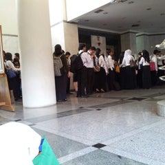 Photo taken at Kampus A Universitas Gunadarma by Detri R. on 9/8/2012