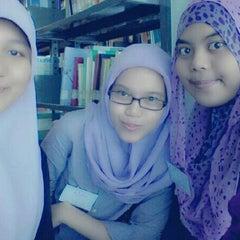 Photo taken at Perpustakaan Mandiri Universitas Al Azhar Indonesia by DianaShabrina on 12/27/2012