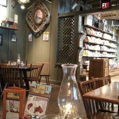 Photo taken at Cracker Barrel Old Country Store by Robb M. on 6/29/2013