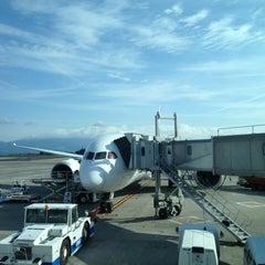 Photo taken at 鹿児島空港5番搭乗口 by Kuma on 3/4/2014