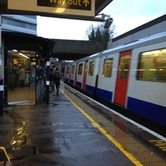 Photo taken at Gunnersbury London Underground and London Overground Station by Namer M. on 11/21/2012