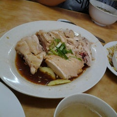 Photo taken at Kar Heong Chicken Rice by Marlene Y. on 3/3/2013