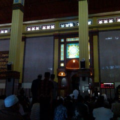 Photo taken at Masjid Agung Cianjur by Indra H. on 12/27/2013