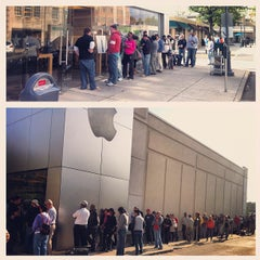 Photo taken at Apple Store, Suburban Square by Vince L. on 9/21/2012