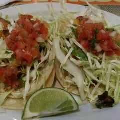 Photo taken at Wahoo's Fish Taco by Louie T. on 5/6/2014