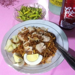 "Photo taken at Mie Kluntung/Nasi Goreng Jawa ""Pak Muji"" by  Rooney D. on 1/31/2013"