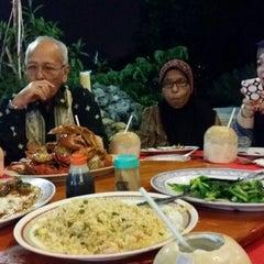 Photo taken at William's Crab Restaurant by Tihani B. on 8/1/2014