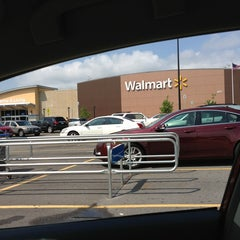 Photo taken at Walmart Supercenter by Marlon L. on 8/12/2013