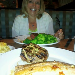 Photo taken at Cheddar's by Mark G. on 9/10/2013