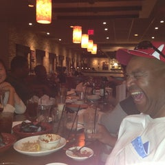 Photo taken at Carrabba's Italian Grill by Chris W. on 8/15/2013