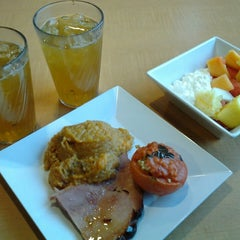 Photo taken at Boozel Dining Hall by Wayne M. on 3/10/2014