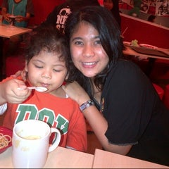 Photo taken at KFC by Yohana Sinta D. on 3/16/2014