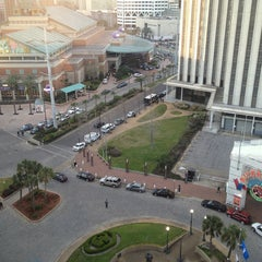 Photo taken at Hilton New Orleans Riverside by Edgardo F. on 3/2/2013