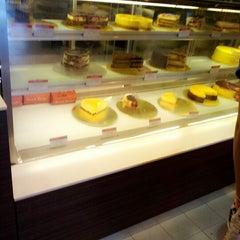 Photo taken at Secret Recipe by Norzaleha I. on 10/13/2012