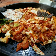 Photo taken at 장원닭갈비 by Lucas L. on 2/8/2016