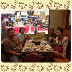Photo taken at MK (เอ็มเค) by 🐲PAMz🍀 P. on 11/15/2014