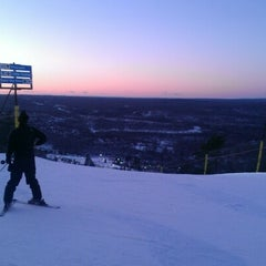 Photo taken at Camelback Mountain Resort by Joel A. on 2/10/2013