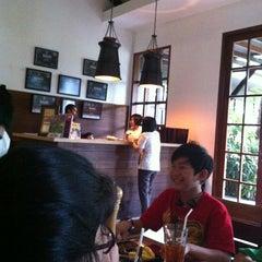 Photo taken at Boncafe by paulus H. on 1/1/2013
