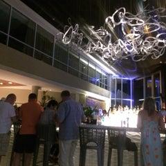 Photo taken at Caribe Hilton Lobby Bar by carlos g. on 2/1/2015