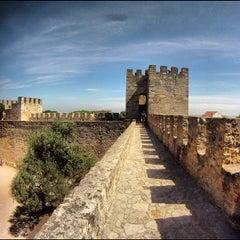 Photo taken at Castelo de São Jorge by Murilo V. on 9/17/2012