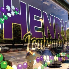 Photo taken at Henry's Louisiana Grill by Kim C. on 5/24/2013